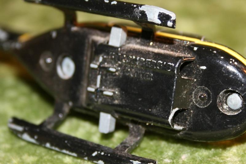 007 swlm stromburg helicopter corgi (4)