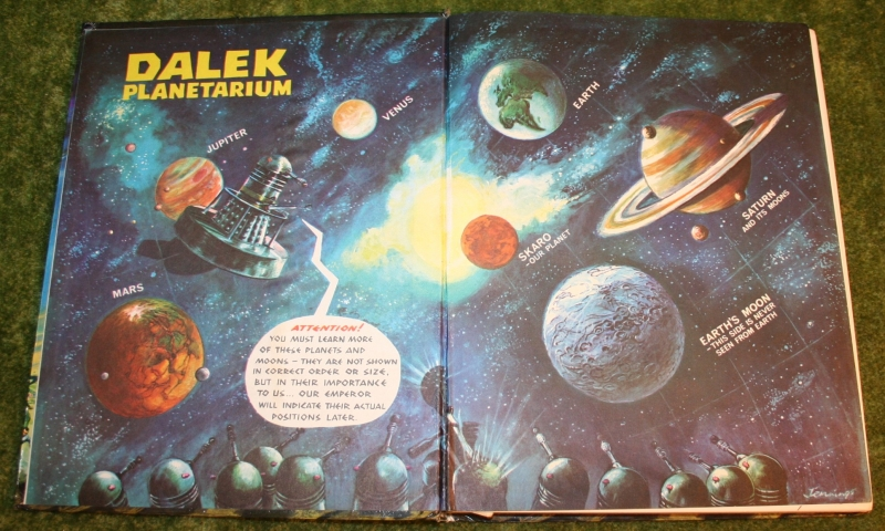 dr who the dalek book (3)