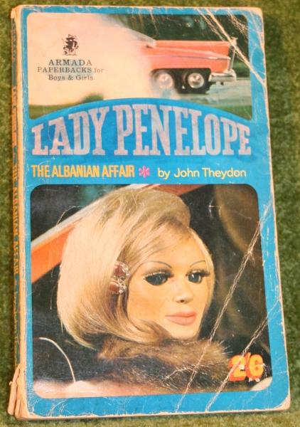 thunderbirds-lady-penelope-paperback