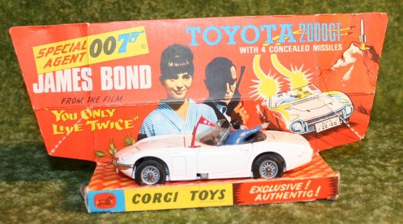 007 corgi toyota yolt (2)