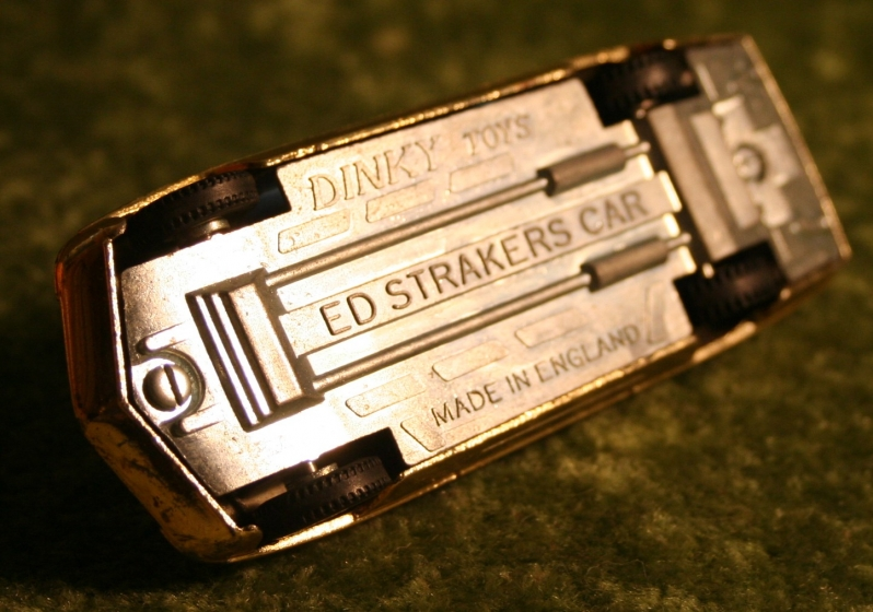 UFO Ed strakers car Gold (2)