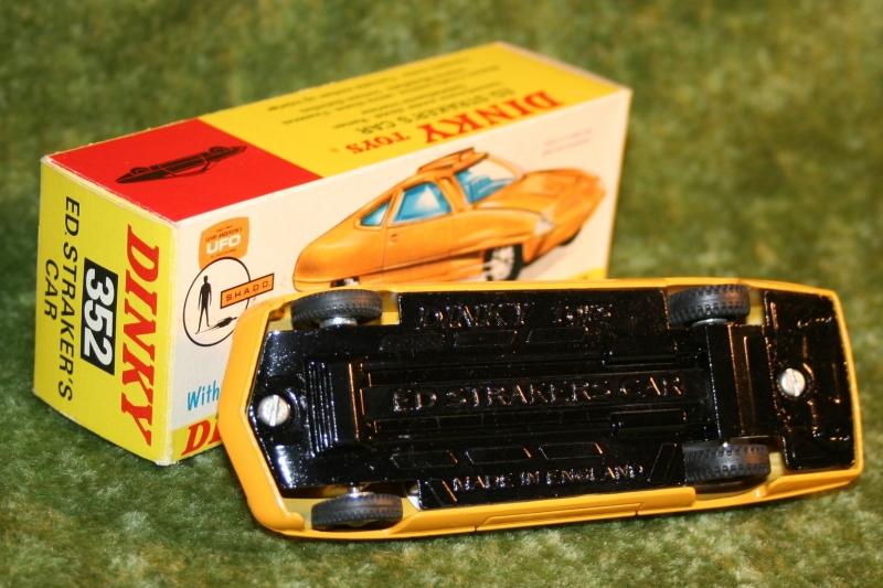 UFO ed strakers car yellow (2)