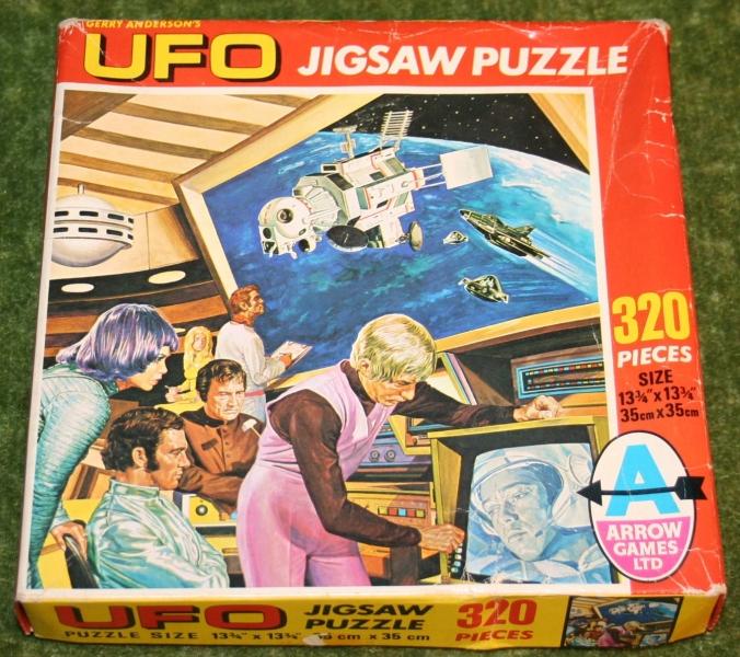ufo jigsaw two against one (3)