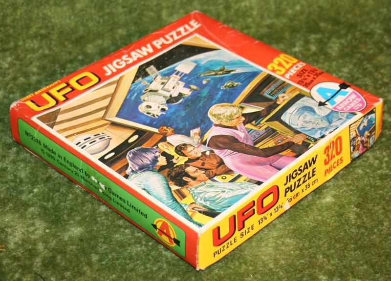 ufo jigsaw two against one (5)