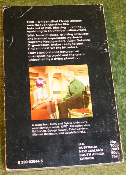 ufo-paperback-picclo-2